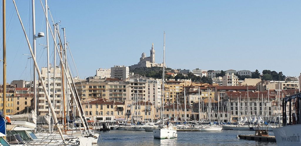 Vieux Port Marseille quartier incontournable