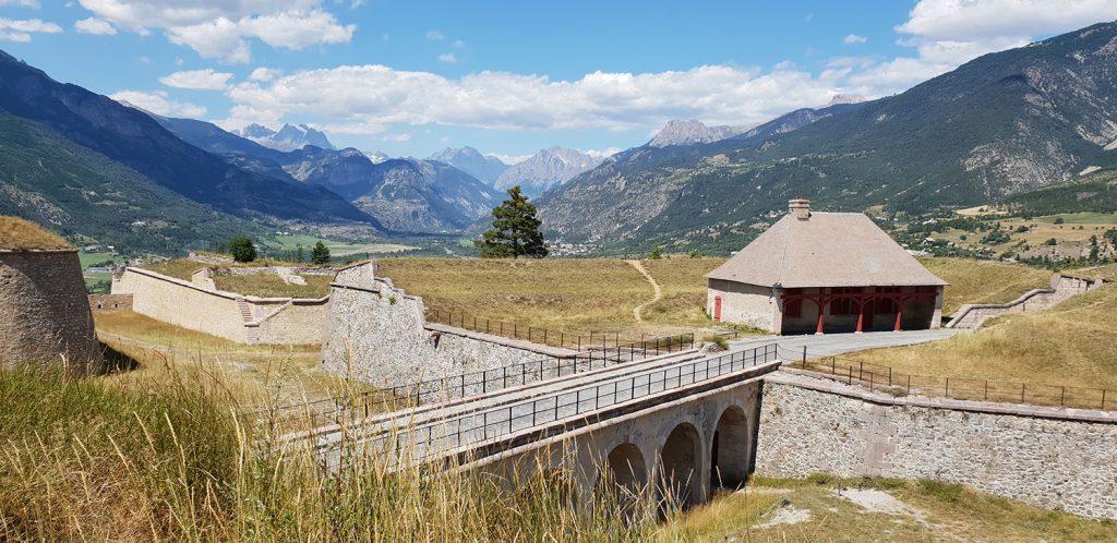 Visite de la place forte Mont-Dauphin : Activités vacances à la montagne